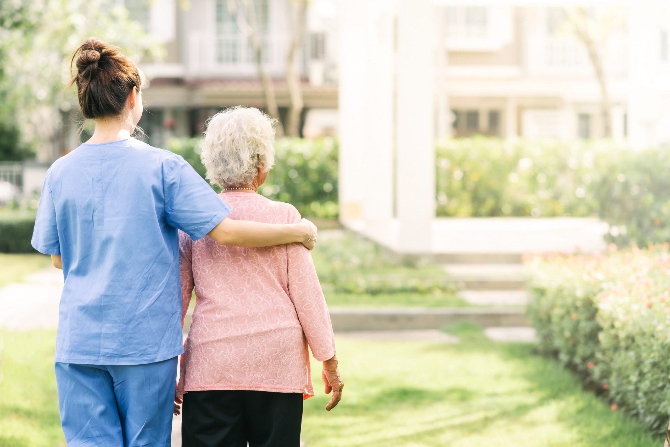 Wie pflegt man ältere Personen